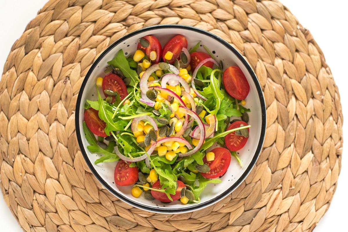 rocket salad-meal-recipe-side dish-corn-Iceberg Salat Centar