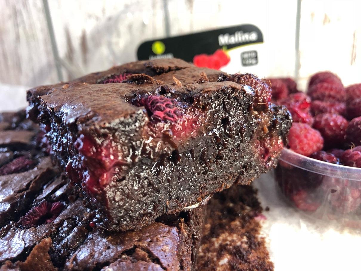 brownies-brownie-recipe-raspberries-chocolate-dark-sweet-dessert-snack-Iceberg Salat Centar