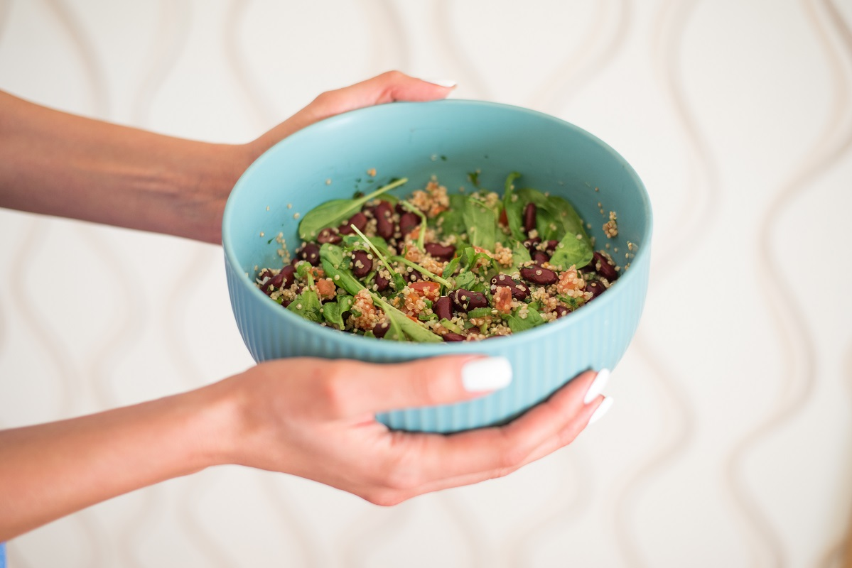 quinoa-kidney beans-lunch-salad-vegan-dinner-feasting-holiday-recipe-iceberg salat centar-klub zdravih navika